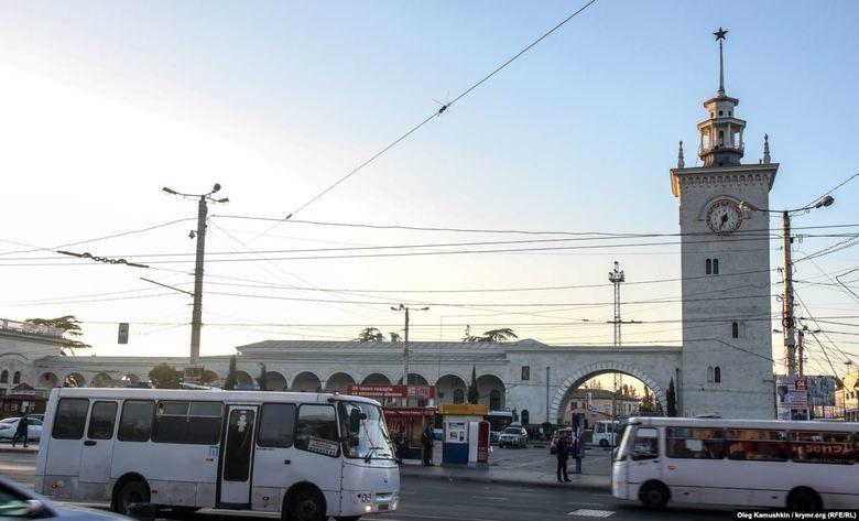 Юный симферополец обратился к Путину с просьбой отреставрировать башню с часами на ж/д вокзале