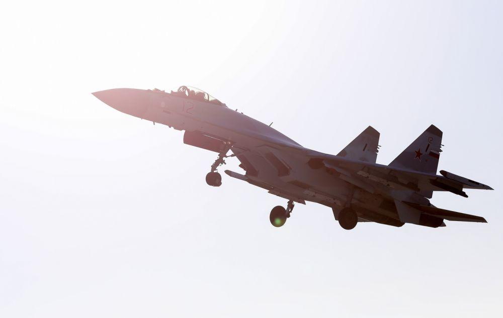 Россия перебрасывает на Крымский полуостров истребители Су-35С