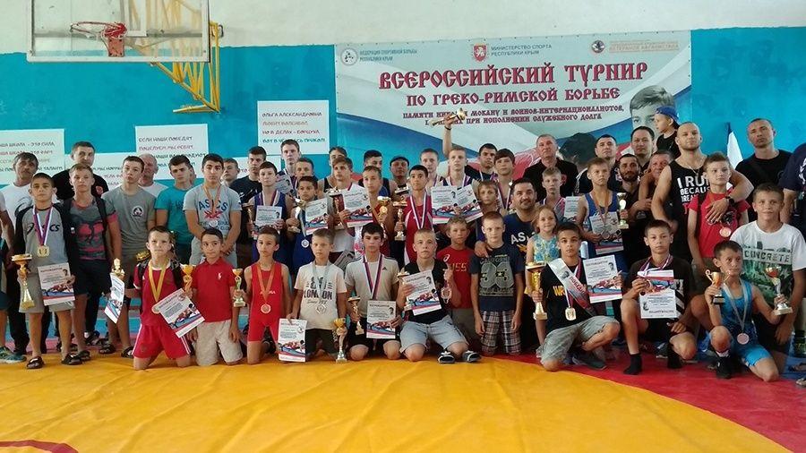 Борцовские соревнования в Бахчисарае собрали участников из пяти стран