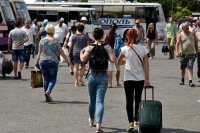 Из Крыма теперь можно уехать в Баку
