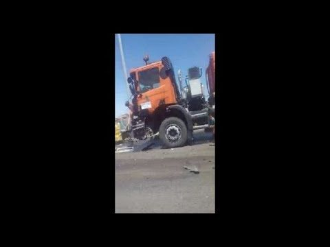 На Крымском мосту столкнулись два автомобиля