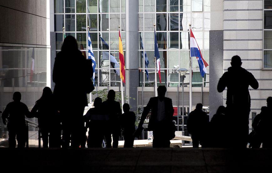 Лидеры стран ЕС решили продлить на полгода экономические санкции против РФ