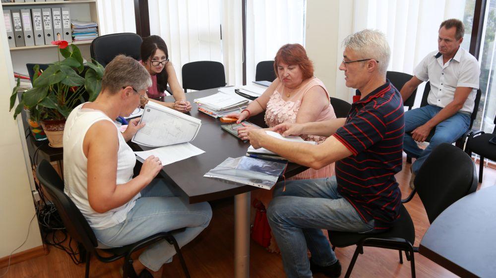 Госкомрегистр помогает в оформлении прав на объекты недвижимости Романовского колледжа индустрии гостеприимства