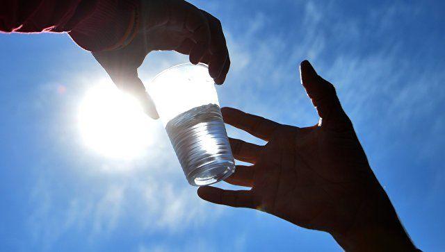 В Роскачестве рассказали, чем лучше всего утолять жажду в жару