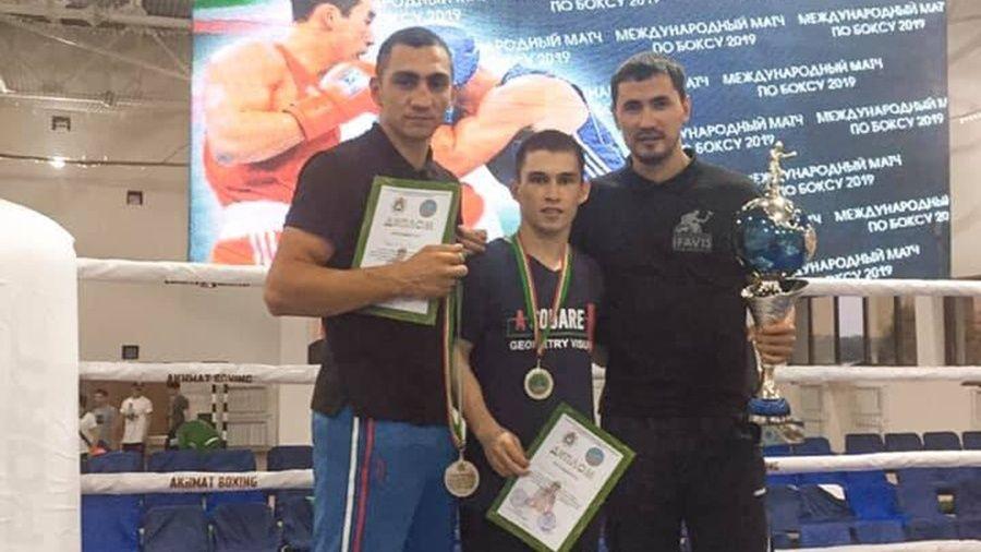 Крымские боксеры Ахтем Закиров и Варткез Андреасян в составе студенческой сборной России выступили на турнире в Грозном