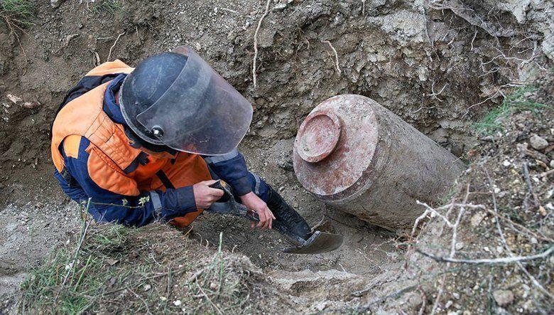 Эхо войны: в Симферополе на набережной Салгира обнаружили снаряд, территория оцеплена