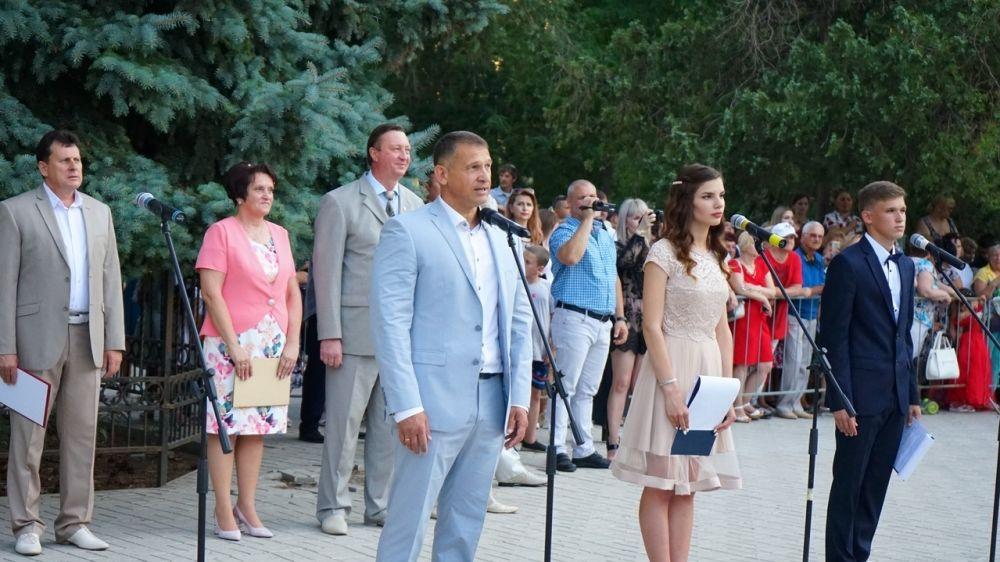 21 июня во всех общеобразовательных учреждениях Армянска прошли выпускные балы