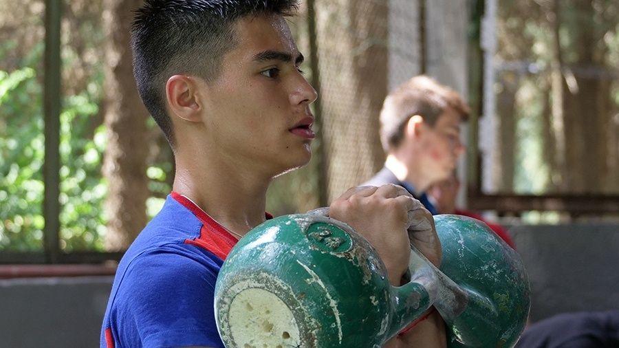 Юношеская сборная России по гиревому спорту перед первенством Европы провела сбор в Алуште
