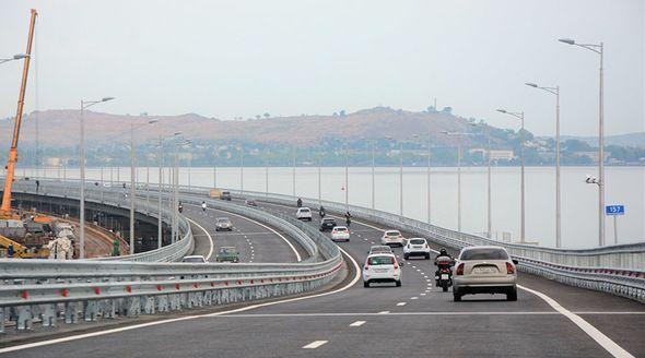 Водитель на BMW поставил рекорд скорости на Крымском мосту