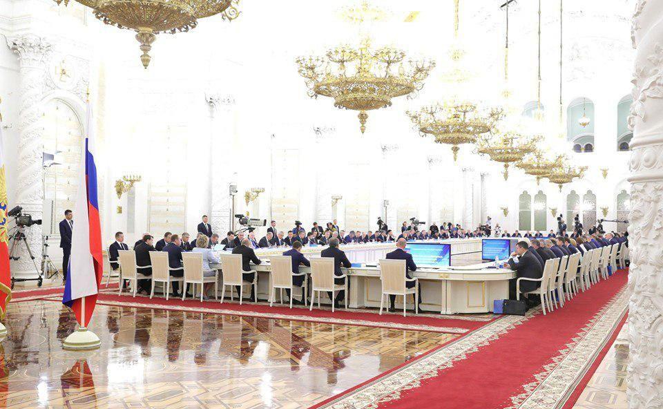 Президент России отметил необходимость разработки реальной программы для каждого региона страны на период не менее чем до 2024 года , — Аксёнов