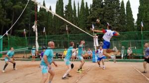 В Алуште прошел Кубок Черного моря по волейболу среди ветеранов