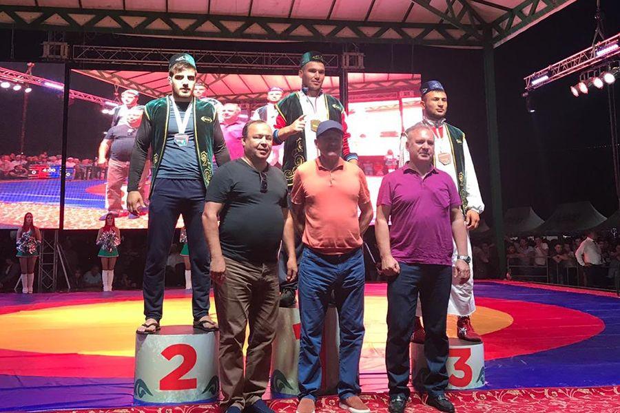Крымчанин стал серебряным призером чемпионата мира по борьбе на поясах, который проходил в Казани