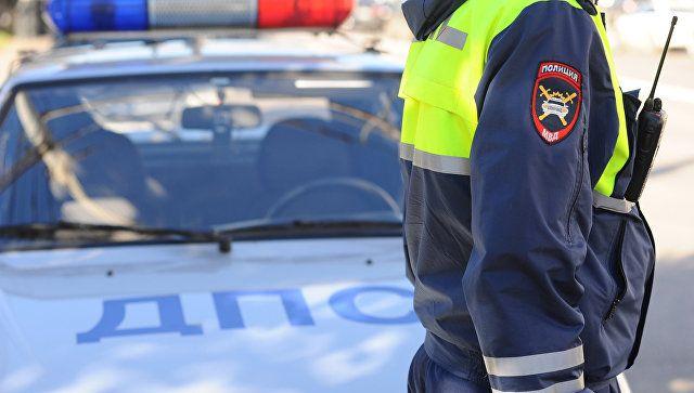 Инспектор ДПС попал под колеса грузовика на трассе в Крыму