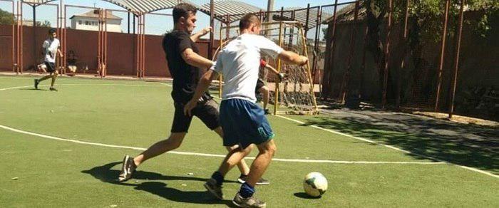 В преддверии Дня молодежи состоялся товарищеский футбольный матч в Джанкое