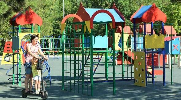 Власти установили около сотни детских и спортивных площадок в Симферополе