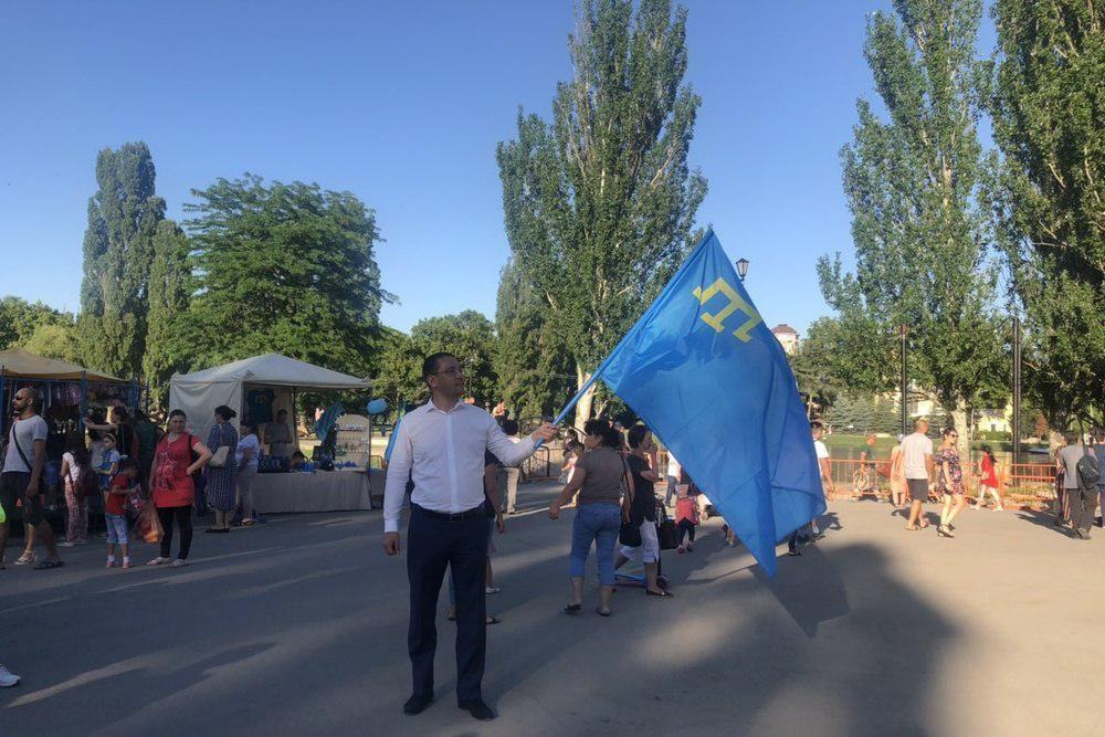 День крымскотатарского флага отпраздновали в Симферополе