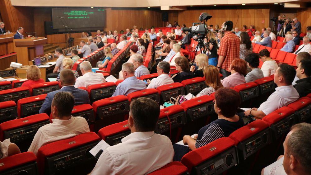 Антон Кальков принял участие в заключительном заседании десятой сессии Государственного Совета Республики Крым
