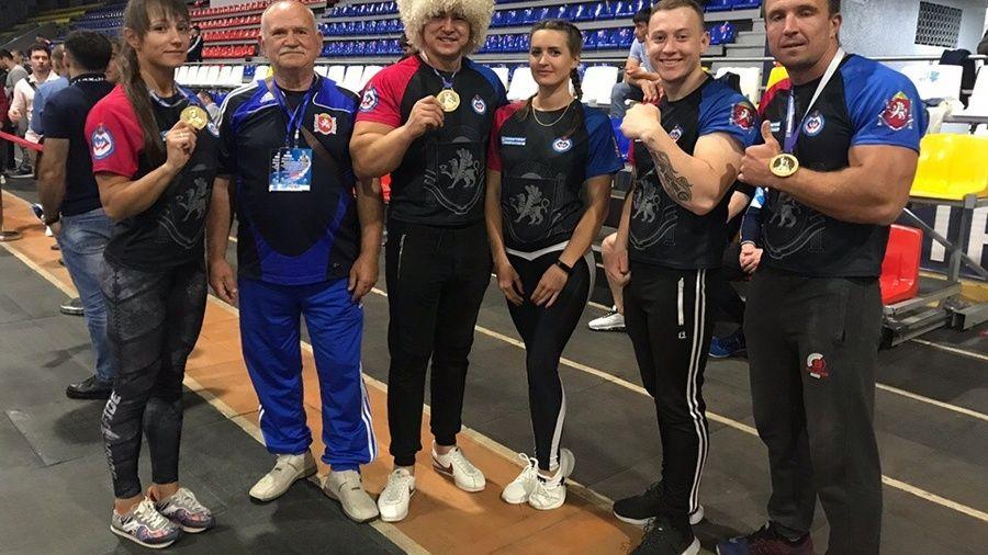Сборная Крыма по армрестлингу завоевала четыре медали на турнире во Владикавказе