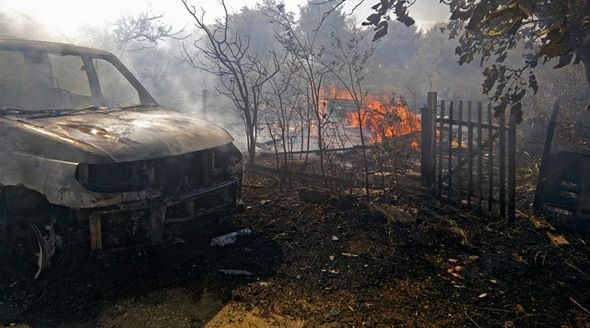 Горящая трава под Феодосией сожгла УАЗ «Патриот»