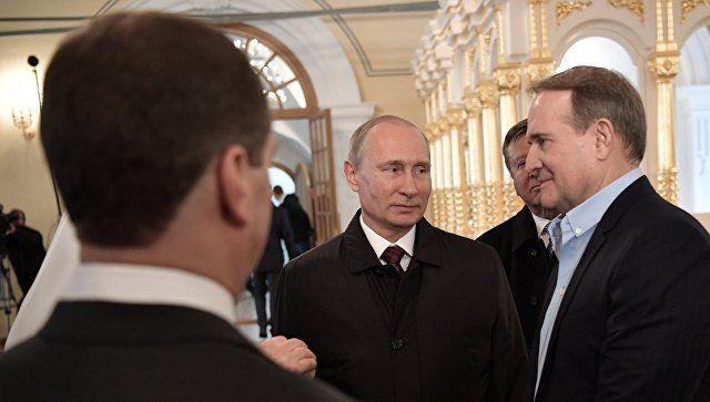 Медведук рассказал, как Путин стал крестным отцом его дочери