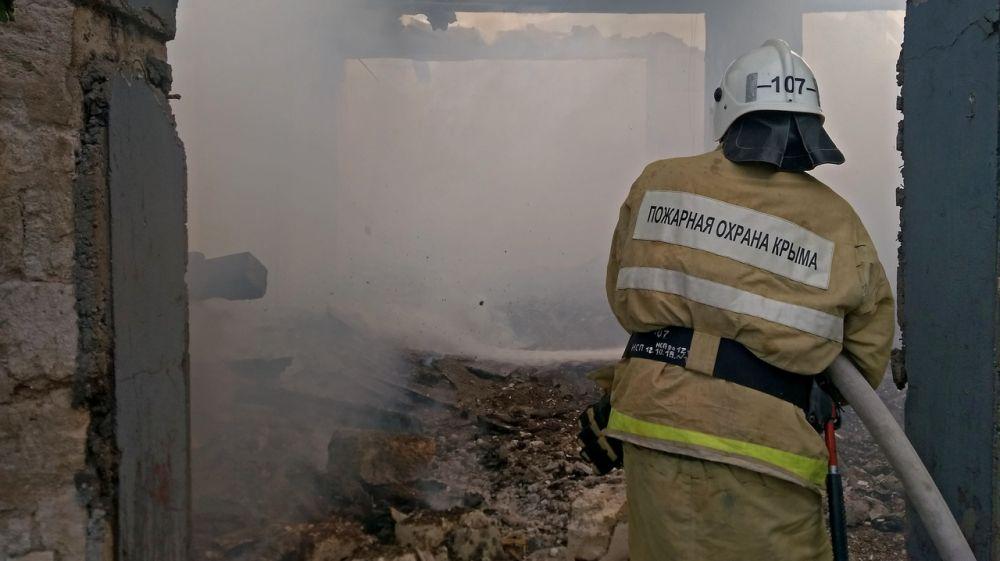 Крымские огнеборцы ликвидировали пожар в Кировском районе полуострова