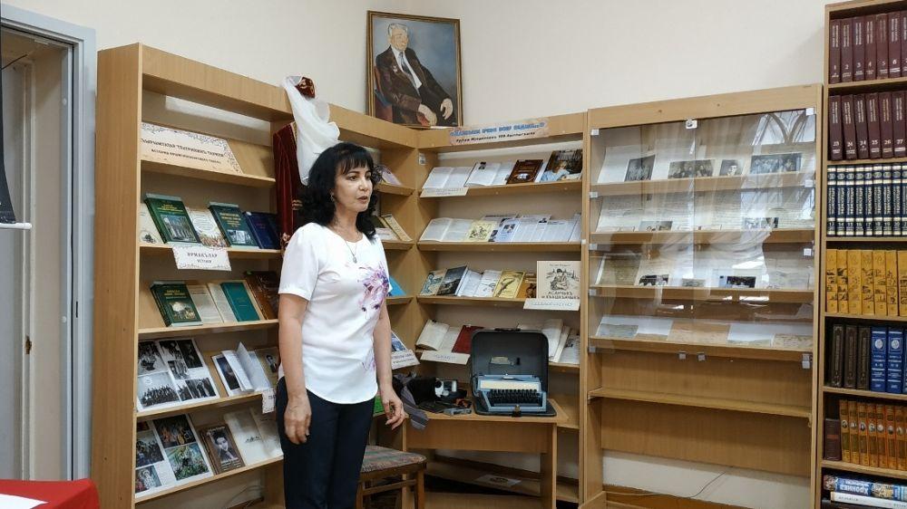 В Республиканской крымскотатарской библиотеке состоялось мероприятие, приуроченное к столетию со дня рождения писателя и драматурга Рустема Муедина