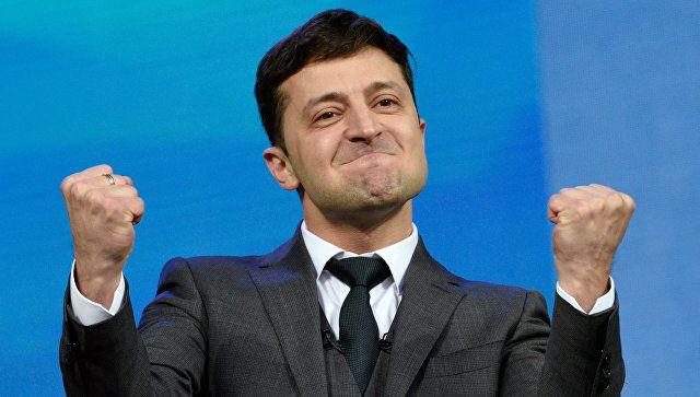 Украинцы просят Зеленского о поездах в Крым и дружбе с инопланетянами