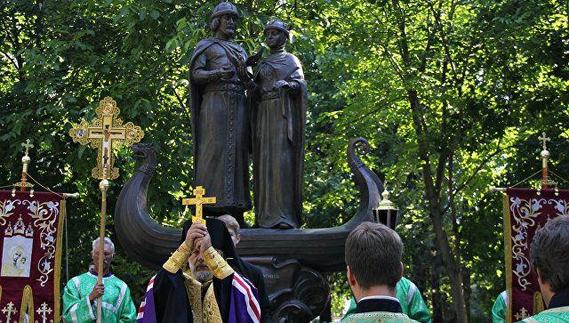 Святые защитники семьи: как в Крыму отмечают День любви и верности