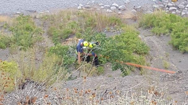 Сотрудники «КРЫМ-СПАС» эвакуировали мужчину со сложного скального участка в районе г. Алупка