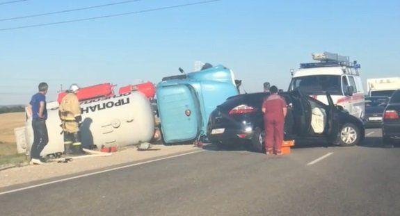Появилось видео смертельной аварии с автомобилем-газовозом на крымской трассе