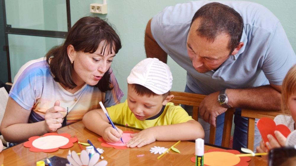 В крымских учреждениях культуры проведен цикл мероприятий, направленных на сохранение традиционных нравственных и духовных семейных ценностей