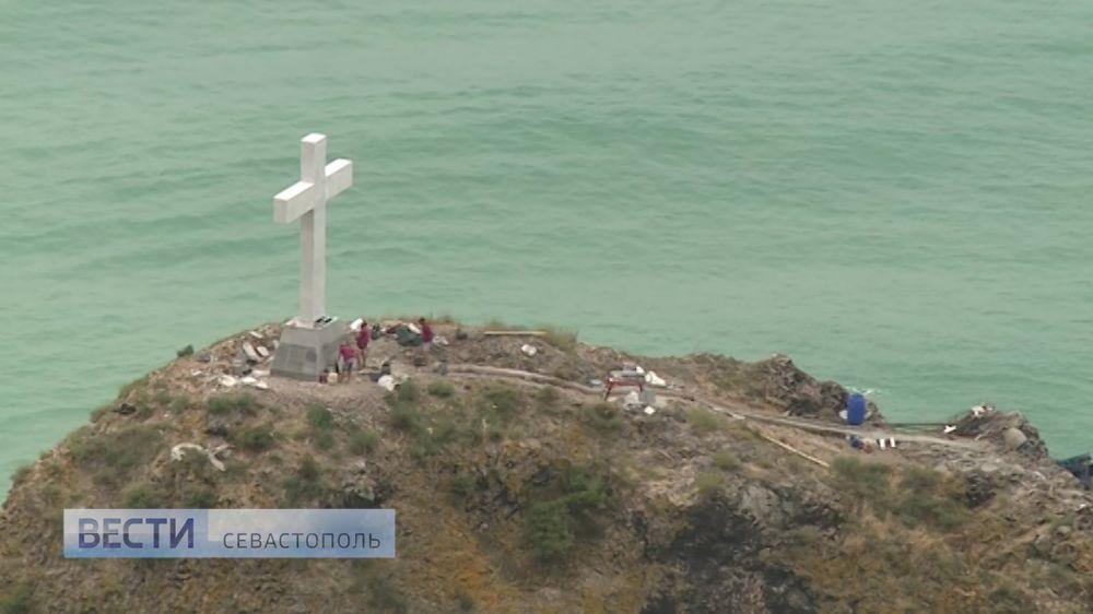 Крест на скале у Фиолента освятят 24 июля