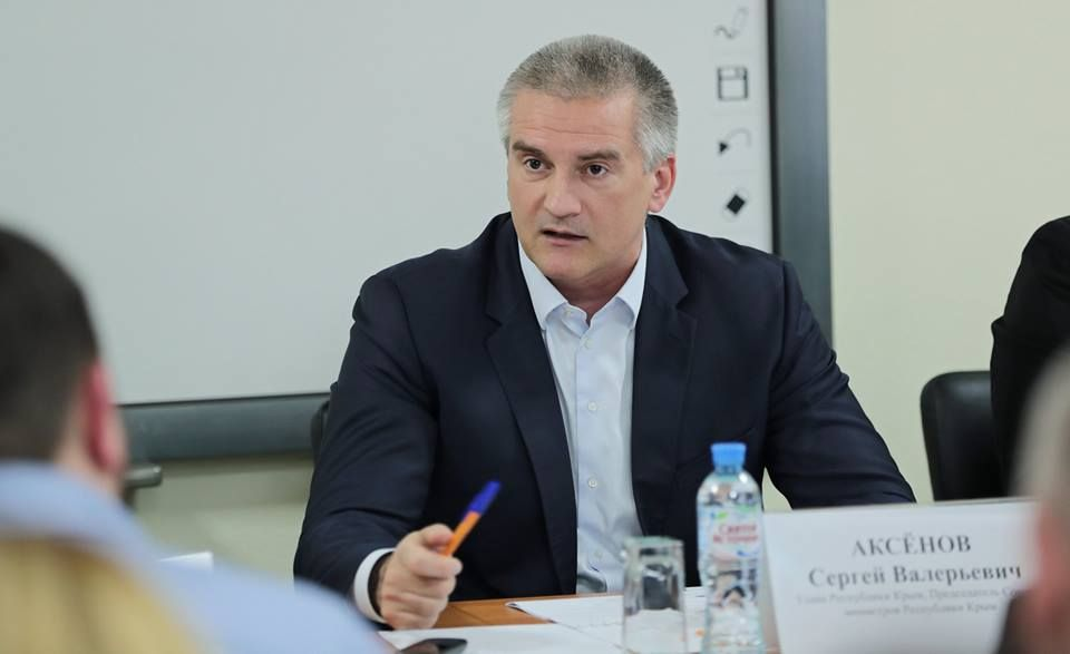 После увиденного на автостанциях Крыма, Аксёнов выписал «билет на войну» министру транспорта
