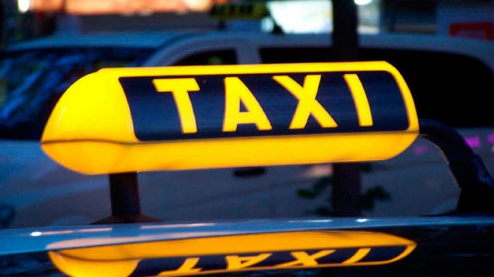 ГИБДД проводит операцию по выявлению нелегальных таксистов в Белогорском районе