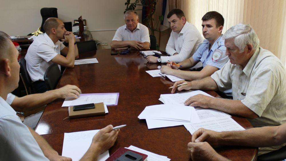 Николай Россоловский провел рабочее совещание с руководителями сельхозпредприятий района