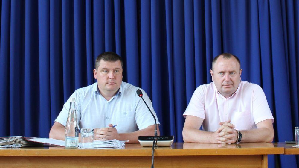 Глава района Сергей Махонин провел заседание очередной 85-й сессии Белогорского районного совета 1-го созыва