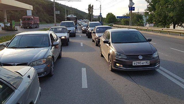 Пробка на несколько километров: ДТП парализовало ялтинскую трассу