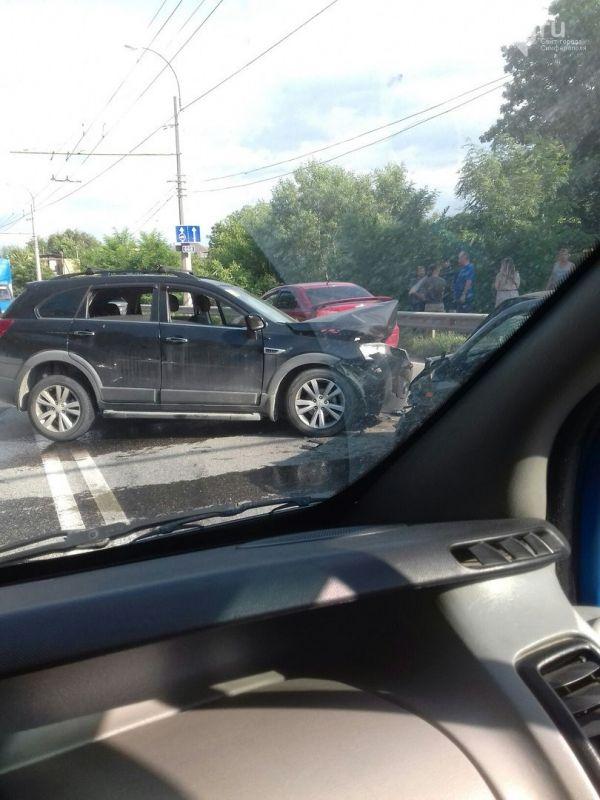 Под Симферополем произошло массовое ДТП из-за уснувшего водителя