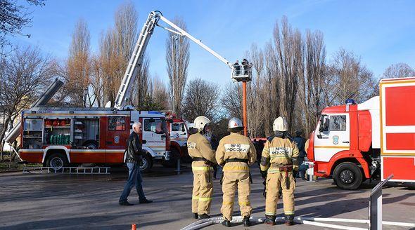 Сотрудники МЧС с начала года спасли почти 800 человек в Крыму