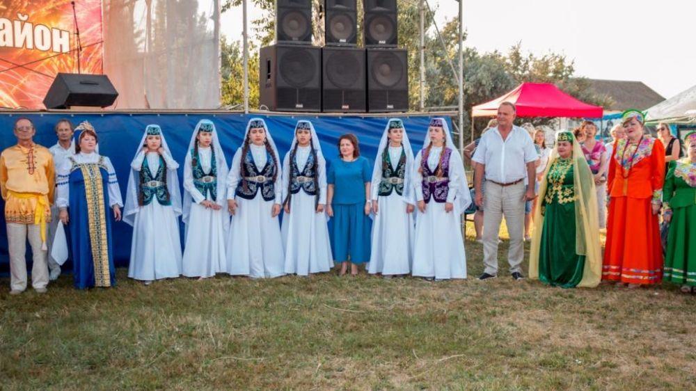 В селе Стерегущее Раздольненского района прошел Республиканский фестиваль национальных культур и семейного творчества «Прибой собирает друзей»