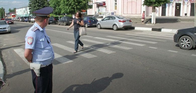В Симферополе поймали более 150 пешеходов и водителей-нарушителей