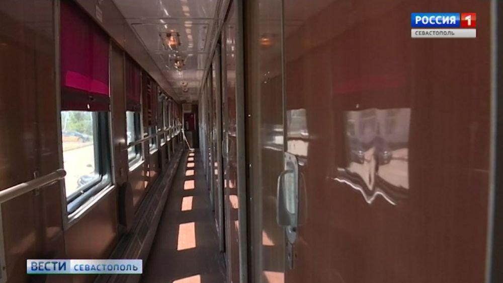 В севастопольской Орловке туристов принимает хостел-вагон, а в Терновке- апидомики