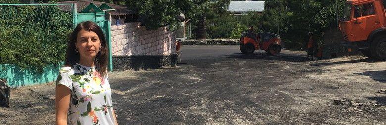 Асфальтирование дорожного покрытия по ходу маршрута №10 в Ялте завершат на днях