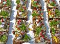 Россияне посчитали, сколько тратят на еду в отпуске