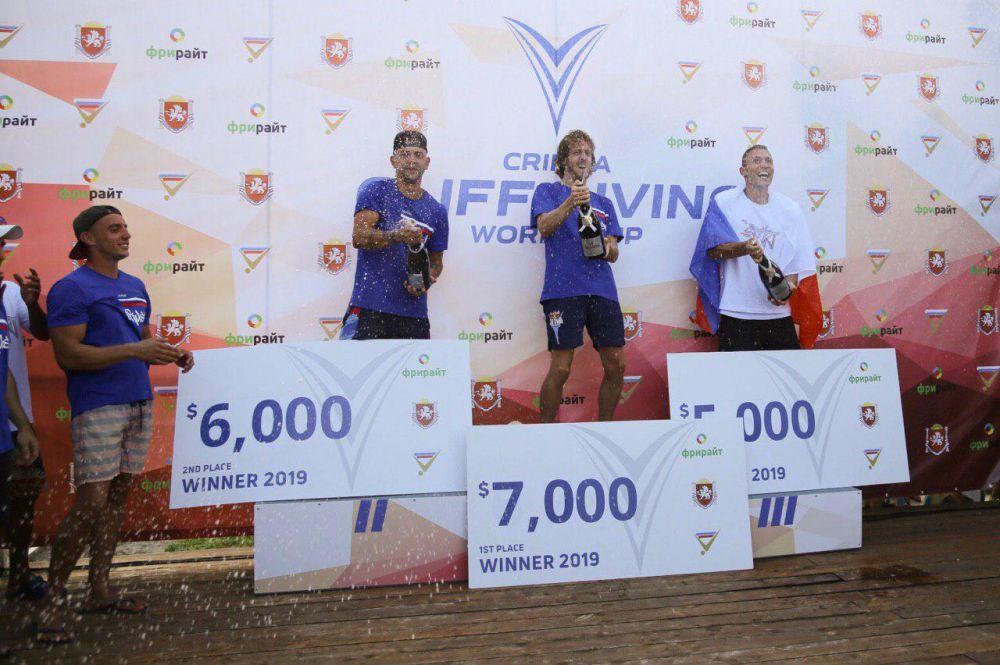 Британский спортсмен Гэри Хант в третий раз подряд выиграл Кубок мира по клифф-дайвингу