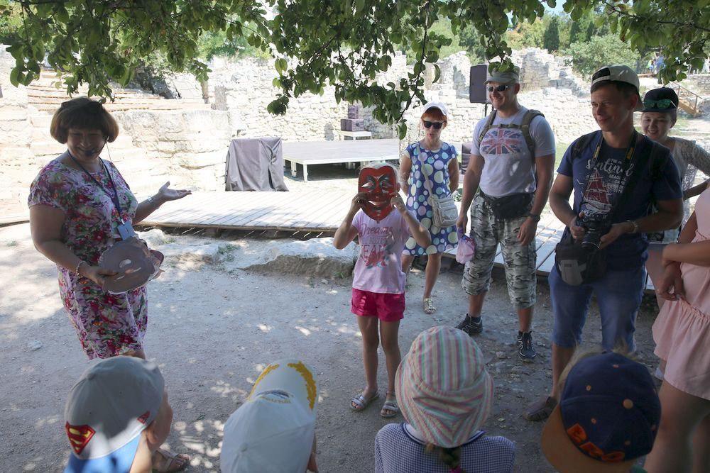 Юные крымчане разгадали «Мозаики древнего Херсонеса»