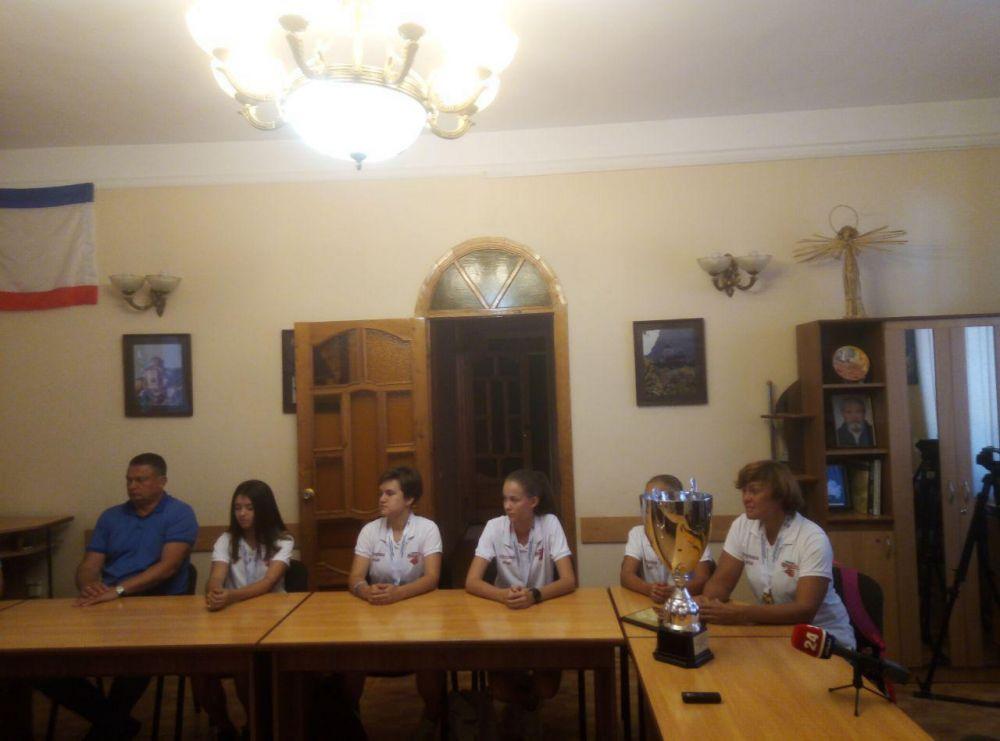 Юные баскетболистки из Крыма заняли пятое место на всероссийских соревнованиях в Новосибирске
