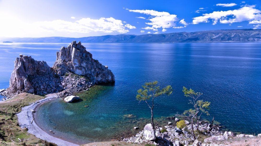 Два крымчанина переплыли Байкал и установили новый мировой рекорд