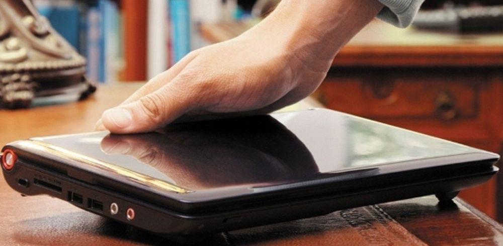 «Социальные работники» оставили пенсионерку без ноутбука и телефона