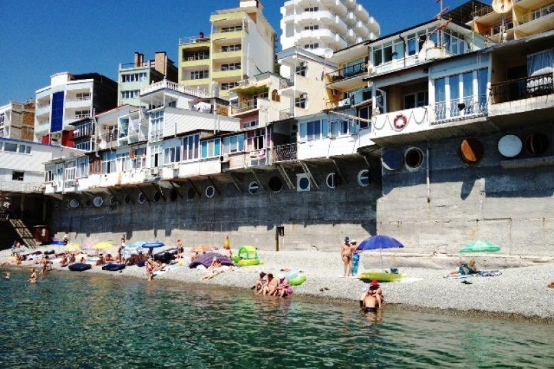 Владельцев незарегистрированных мини-отелей в Крыму перестанут штрафовать